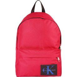 Calvin Klein Jeans SPORT ESSENTIAL BACKPACK  Plecak red. Czerwone plecaki męskie Calvin Klein Jeans, z jeansu, sportowe. Za 419,00 zł.
