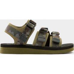 Buty męskie: Sandały z paskami w moro