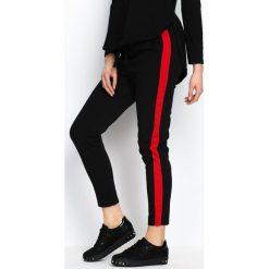 Spodnie dresowe damskie: Czarno-Czerwone Spodnie Dresowe Two Colors