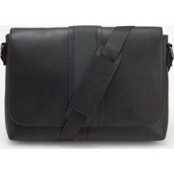 Torba na ramię - Czarny. Czarne torby na ramię męskie marki Reserved, na ramię. Za 129,99 zł.
