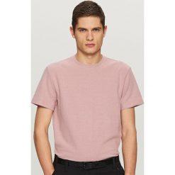 T-shirty męskie: Gładki t-shirt ze strukturalnej dzianiny – Różowy