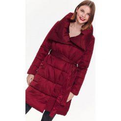 PŁASZCZ Z WIĄZANIEM W PASIE, Z OTULAJĄCYM KOŁNIERZEM. Czerwone płaszcze damskie zimowe marki Cropp, l. Za 149,99 zł.