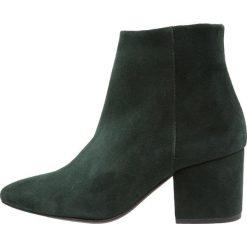 Vero Moda VMASTRID Ankle boot sycamore. Zielone botki damskie skórzane Vero Moda. Za 419,00 zł.