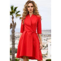 Sukienka na zakładkę s099. Czarne sukienki asymetryczne marki bonprix, do pracy, w paski, biznesowe, moda ciążowa. W wyprzedaży za 109,00 zł.