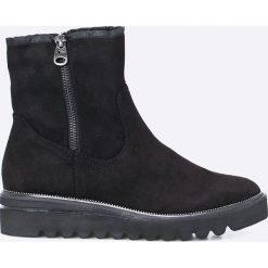 Tamaris - Botki. Czarne buty zimowe damskie marki Tamaris, z materiału, na obcasie. W wyprzedaży za 139,90 zł.