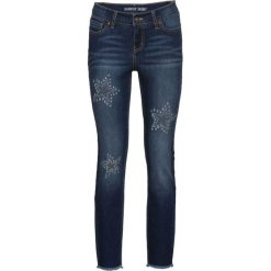 """Dżinsy SKINNY z kamieniami bonprix niebieski """"stone"""". Niebieskie jeansy damskie skinny marki House, z jeansu. Za 139,99 zł."""