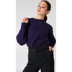 Trendyol Sweter z bufiastym rękawem - Purple. Fioletowe swetry klasyczne damskie marki Trendyol, z dzianiny. W wyprzedaży za 45,98 zł.