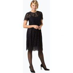 Apart - Sukienka damska, niebieski. Niebieskie sukienki balowe Apart, w koronkowe wzory, z koronki, z dekoltem na plecach. Za 599,95 zł.