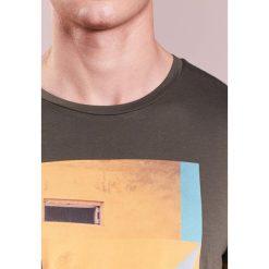 BOSS Orange TURBULENT Tshirt z nadrukiem green. Zielone koszulki polo BOSS Orange, m, z nadrukiem, z bawełny. Za 249,00 zł.