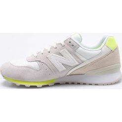 New Balance - Buty WR996STS. Szare buty sportowe damskie New Balance, z materiału. W wyprzedaży za 269,90 zł.