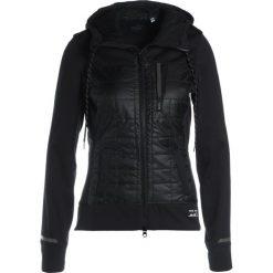 Pearl Izumi VERSA Kurtka przeciwdeszczowa black. Czarne kurtki damskie przeciwdeszczowe Pearl Izumi, l, z materiału, outdoorowe. W wyprzedaży za 629,85 zł.