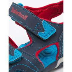 Timberland ADVENTURE SEEKER Sandały trekkingowe navy/blue/red. Niebieskie sandały chłopięce Timberland, z gumy. Za 189,00 zł.