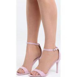 Fioletowe Sandały You're Adorable. Czarne sandały damskie marki Kazar, z nubiku, na wysokim obcasie, na szpilce. Za 79,99 zł.
