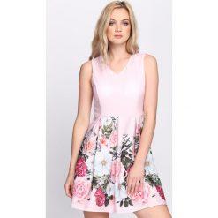 Różowa Sukienka Expression. Różowe sukienki letnie marki numoco, l, z dekoltem w łódkę, oversize. Za 84,99 zł.