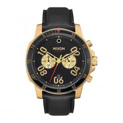 """Zegarek """"A940-513-00"""" w kolorze czarno-złotym. Czarne, analogowe zegarki męskie NIXON & ESPRIT, ze stali. W wyprzedaży za 899,95 zł."""