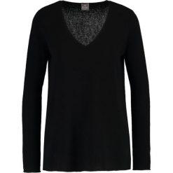 FTC Cashmere Sweter moonless night. Czarne swetry klasyczne męskie FTC Cashmere, xs, z kaszmiru. W wyprzedaży za 790,30 zł.