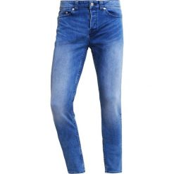 Only & Sons ONSWARP  Jeans Skinny Fit medium blue denim. Brązowe rurki męskie marki Only & Sons, l, z poliesteru. Za 209,00 zł.