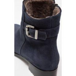 Luca Grossi Botki blu. Niebieskie buty zimowe damskie Luca Grossi, z materiału. W wyprzedaży za 403,60 zł.