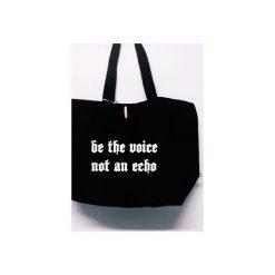 """Torba """"Be the voice, not an echo"""". Czarne torby plażowe Funfara, z napisami, z bawełny, na ramię. Za 99,00 zł."""