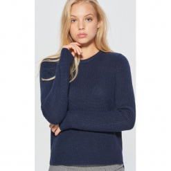 Sweter basic - Granatowy. Niebieskie swetry klasyczne damskie Cropp, l. Za 49,99 zł.