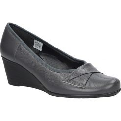 Szare półbuty skórzane na koturnie Casu 4138. Szare buty ślubne damskie marki Casu, na koturnie. Za 169,99 zł.