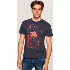 Prosty t-shirt REGULAR FIT - Niebieski. Niebieskie t-shirty męskie marki QUECHUA, m, z elastanu. Za 19,99 zł.