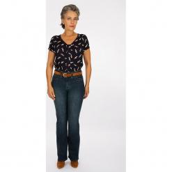 """Dżinsy """"Boutons"""" - Modern fit - w kolorze granatowym. Niebieskie spodnie z wysokim stanem Scottage, w paski. W wyprzedaży za 86,95 zł."""