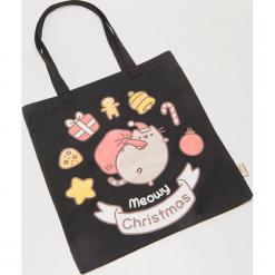 Materiałowa torba ze świątecznym motywem Pusheen - Czarny. Czarne torebki klasyczne damskie House, z materiału. Za 25,99 zł.