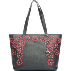 Torebki klasyczne damskie: Skórzana torebka w kolorze czarno-czerwonym – 32 x 27 x 15 cm