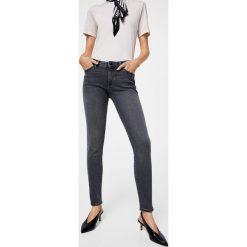 Mango - Jeansy Olivia2. Szare jeansy damskie relaxed fit Mango, z podwyższonym stanem. W wyprzedaży za 99,90 zł.