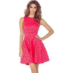 125-13 sukienka koło - dekolt łódka - żakard kółeczka - malina. Różowe sukienki numoco, l, z żakardem, z dekoltem w łódkę, oversize. Za 164,00 zł.