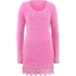 Długi sweter z koronką, długi rękaw bonprix lila - różowy. Czerwone swetry klasyczne damskie bonprix, z koronki. Za 129,99 zł.