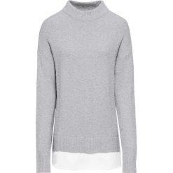 Sweter 2 w 1 bonprix jasnoszary melanż + biały. Białe swetry klasyczne damskie marki bonprix, z dzianiny, z kontrastowym kołnierzykiem. Za 99,99 zł.