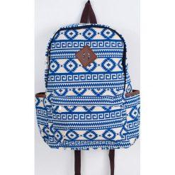 Torebki i plecaki damskie: Art of Polo Plecak miejski Aztec life biało-niebieski