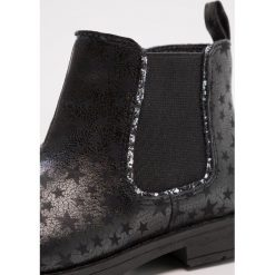 Friboo Botki black. Czerwone buty zimowe damskie marki Friboo, z materiału. W wyprzedaży za 127,20 zł.