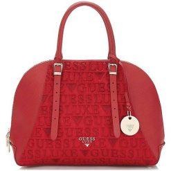 Guess Torebka Damska Czerwony. Czerwone torebki klasyczne damskie Guess, z aplikacjami. Za 1069,00 zł.