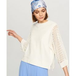 Bluzy damskie: Bluza z ażurowymi rękawami – Kremowy