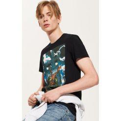 T-shirt Marvel - Czarny. Czarne t-shirty męskie marki House, l, z motywem z bajki. Za 59,99 zł.