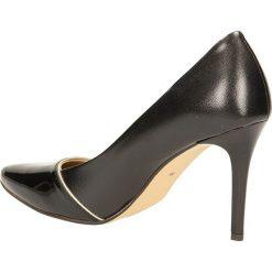 CZÓŁENKA LAURA MESSI 853. Czarne buty ślubne damskie Casu, na koturnie. Za 199,99 zł.