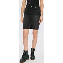Pepe Jeans - Spódnica Taylor. Szare spódniczki jeansowe Pepe Jeans, m, z podwyższonym stanem, midi, dopasowane. Za 299,90 zł.