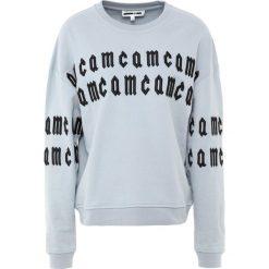 McQ Alexander McQueen SLOUCH Bluza light blue. Niebieskie bluzy rozpinane damskie McQ Alexander McQueen, xl, z bawełny. W wyprzedaży za 443,60 zł.