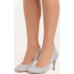 Szare Czółenka Something Nice. Szare buty ślubne damskie Born2be, z okrągłym noskiem, na szpilce. Za 59,99 zł.