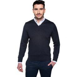 Sweter garros w serek granatowy. Niebieskie swetry klasyczne męskie Recman, m, z dekoltem w serek. Za 179,00 zł.