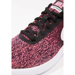 Nike Performance FLEX CONTACT Obuwie do biegania treningowe black/white/racer pink. Czarne buty do biegania damskie marki Nike Performance, z materiału. W wyprzedaży za 224,10 zł.