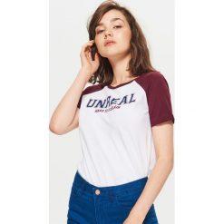 Koszulka z raglanowymi rękawami - Biały. Białe t-shirty damskie marki Cropp, l. Za 24,99 zł.