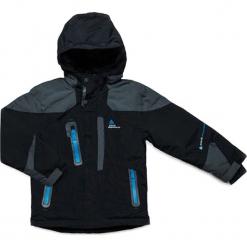 Kurtka narciarska w kolorze czarno-szarym. Czarne kurtki chłopięce marki Peak Mountain. W wyprzedaży za 252,95 zł.
