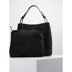Cortefiel Torba na zakupy black. Czarne torebki klasyczne damskie Cortefiel. W wyprzedaży za 271,20 zł.