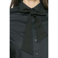 G-Star Raw - Koszula. Szare koszule damskie marki G-Star RAW, l, z bawełny, casualowe, z klasycznym kołnierzykiem, z długim rękawem. W wyprzedaży za 219,90 zł.