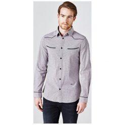 Koszula Ze Wzorem W Małe Groszki. Szare koszule męskie na spinki Guess, m, w grochy, z bawełny, z klasycznym kołnierzykiem, z długim rękawem. Za 369,00 zł.