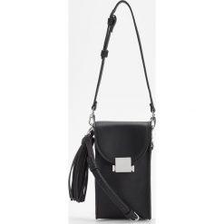 Mała torebka z odpinanym uchwytem - Czarny. Czarne torebki klasyczne damskie marki Reserved, małe. Za 79,99 zł.